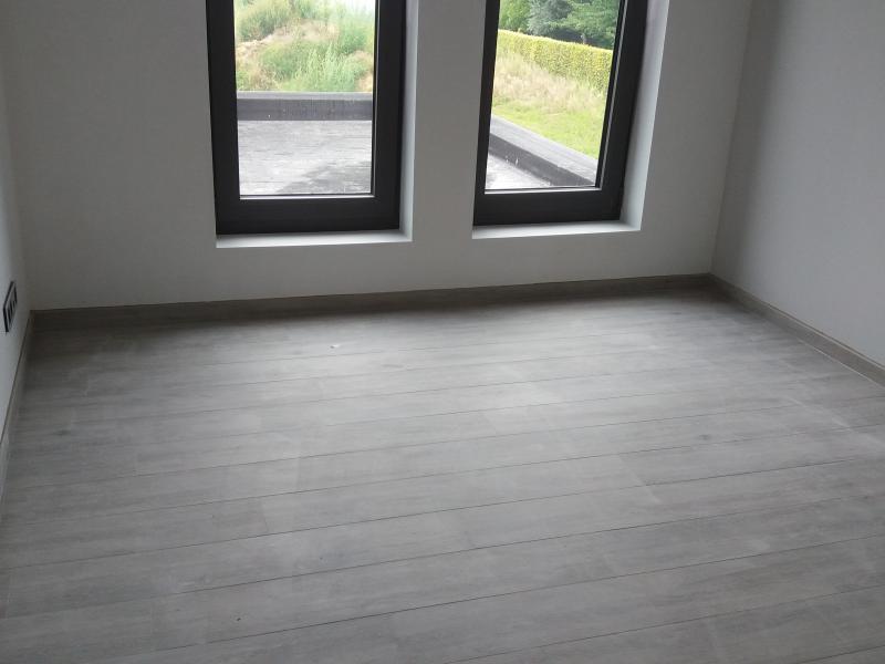 Project met vloeren wandtegels